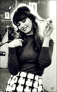 Lily James 1tNKKb-L-James-1
