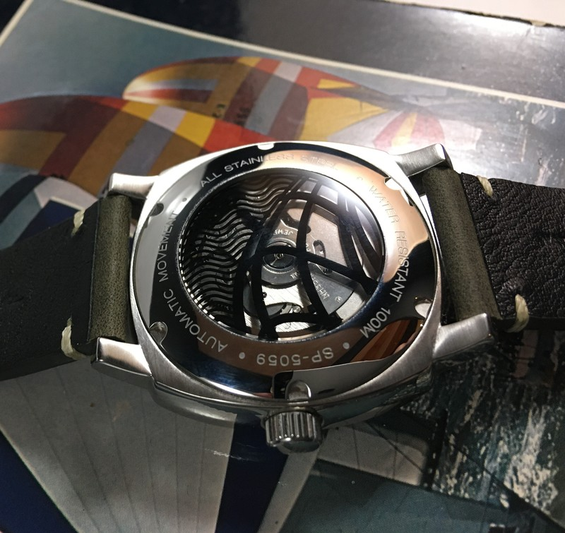 Les montres Spinnaker de Dartmouth Brands / Solar time limited – Hong Kong. 21012105092624054417223357