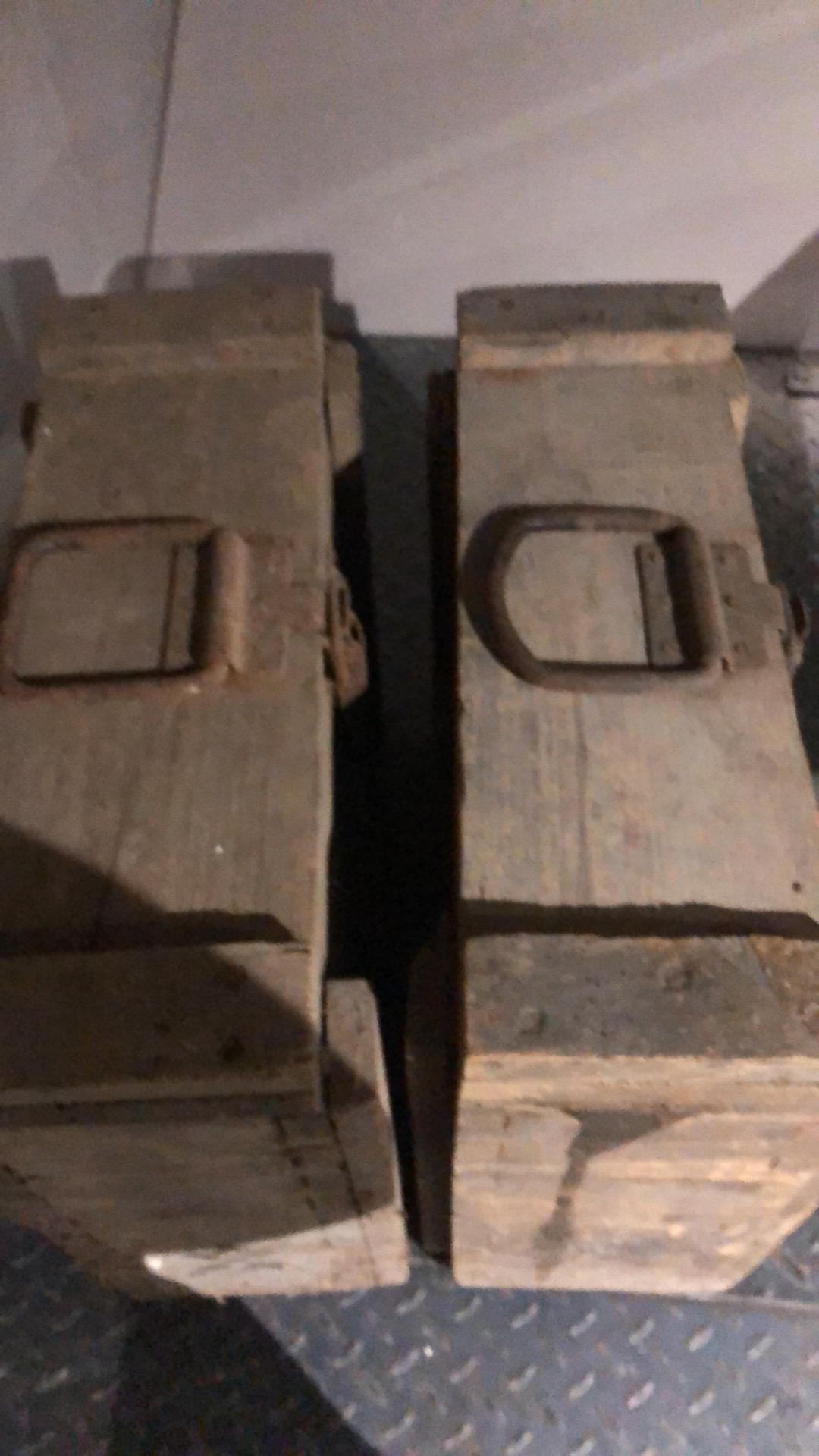 des caisses, des caisses et encore des caisses 21021404291323624317262255