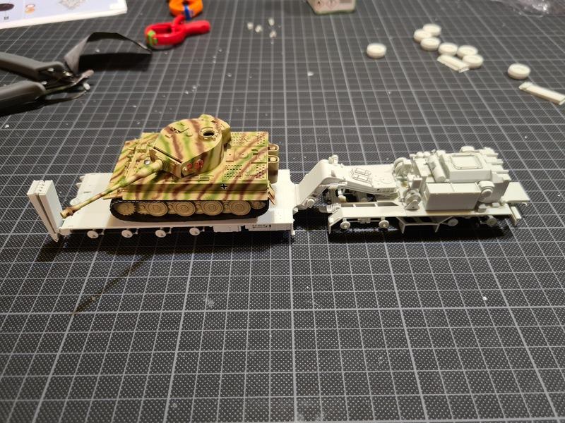 "SLT 50-3 ""Elefant"" et Leopard 2A4 1/72 Revell 21022407255824268717281840"