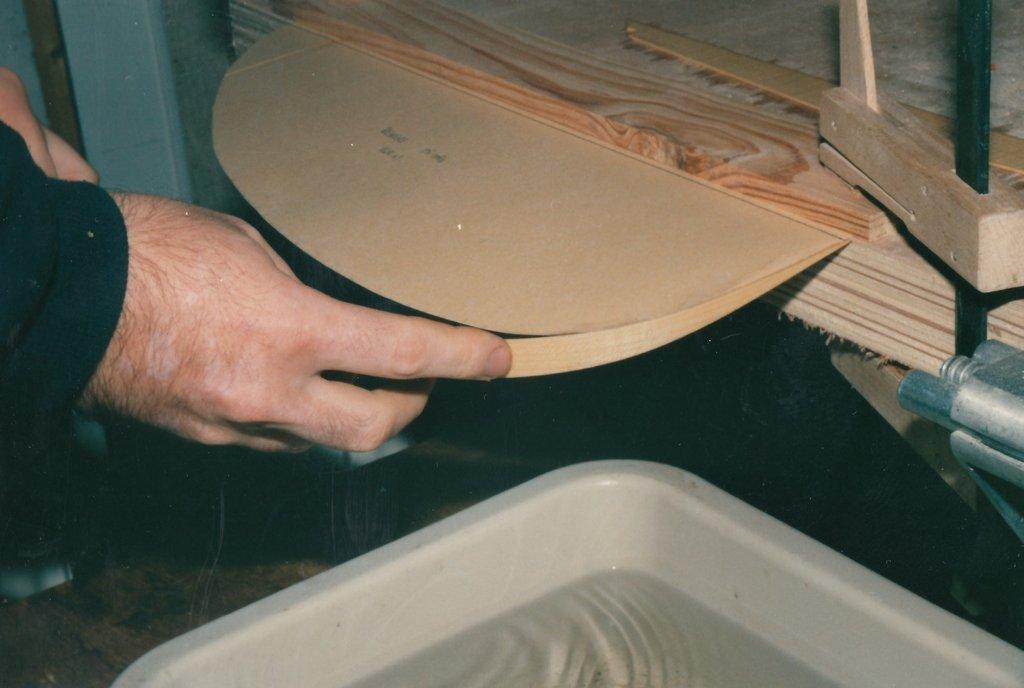 Fabrication d'instruments de musique anciens de bgire - Page 3 JlKqLb-1991-Chittarrone-Sellas-123