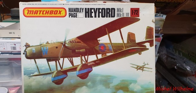HANDLEY PAGE  HEYFORD kit Matchbox 1/72 année 1990 2103220425545625617328731