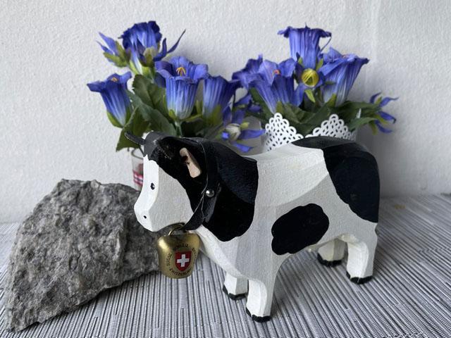 Vache en bois sculpté ReZyLb-Vache-bois