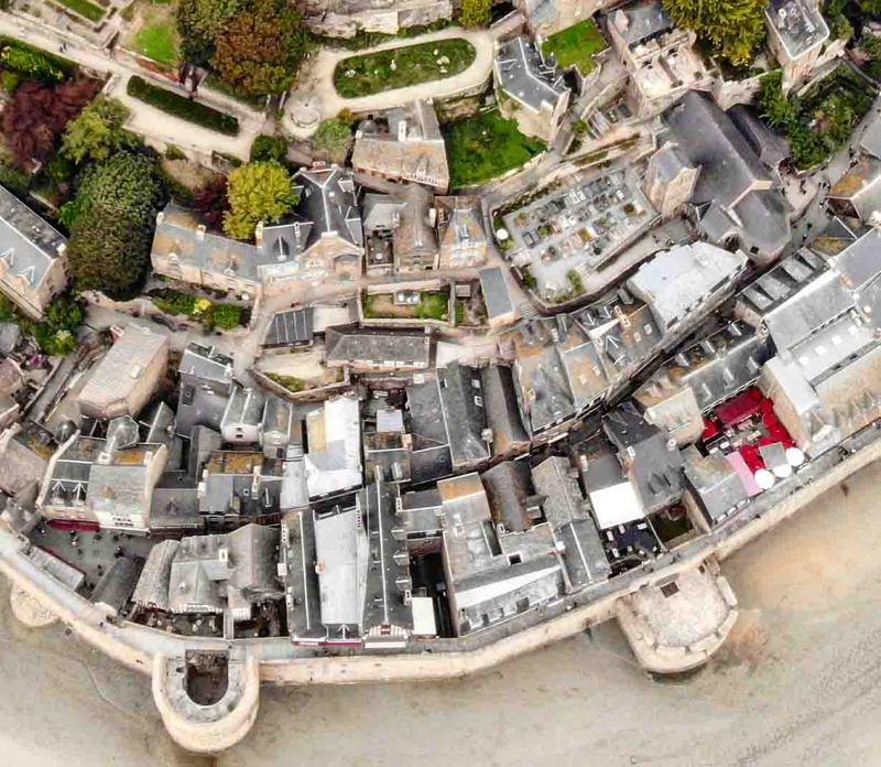 Mont St-Michel (scratch carton 1/500°) de philiparus - Page 11 21040911441923648417356518