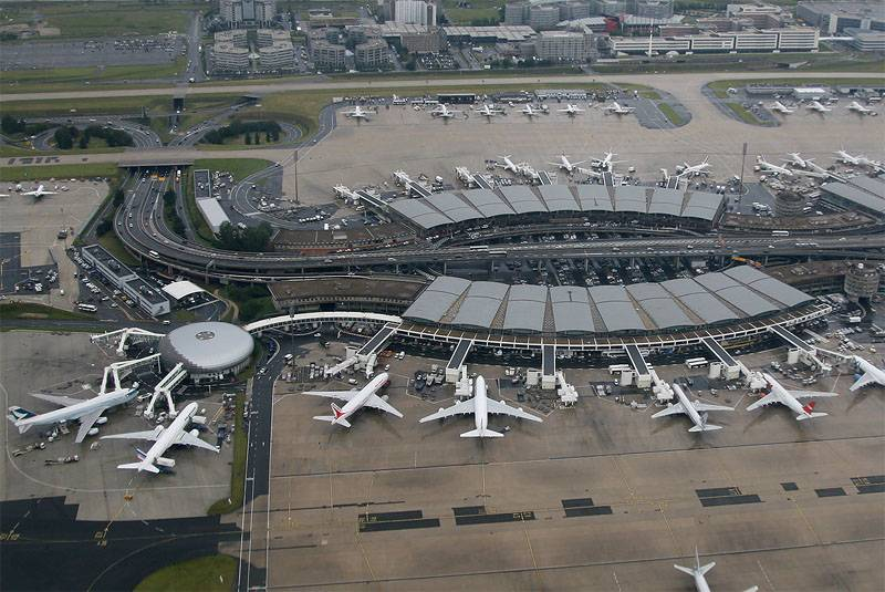 Aéroport International John Mont-Law