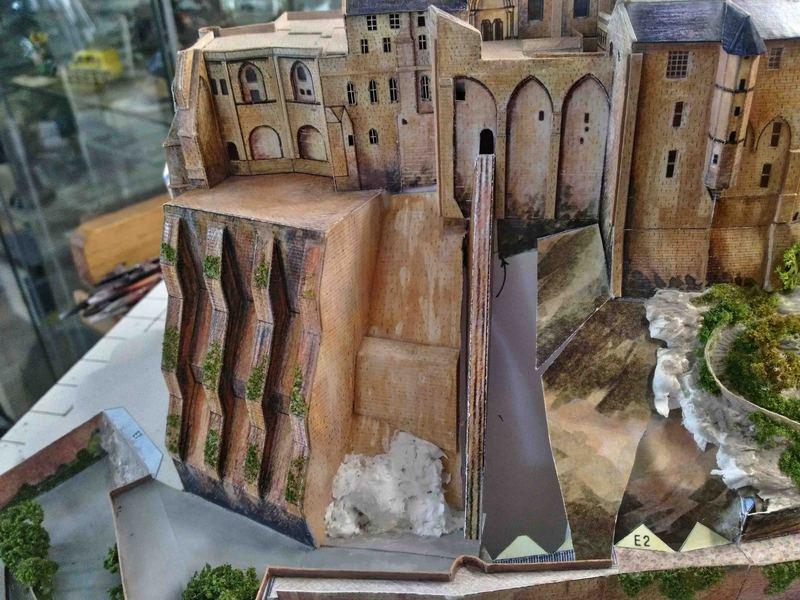 Mont St-Michel (scratch carton 1/500°) par philiparus - Page 12 21051010135523648417410244