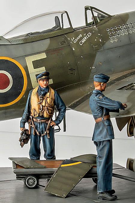 Figurines de pilotes et de mécaniciens ww2 + maquettes d'avions 21061003271914703417456701