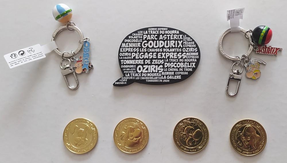 série médaille + magner + porte clef astérix 2021
