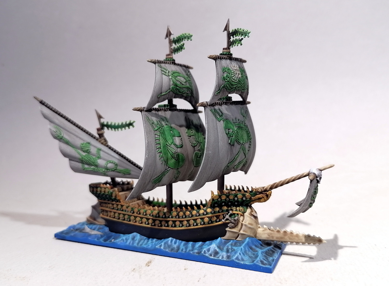 Dreadfleet : des navires dans le monde de Warhammer DkOvMb-Espadon01
