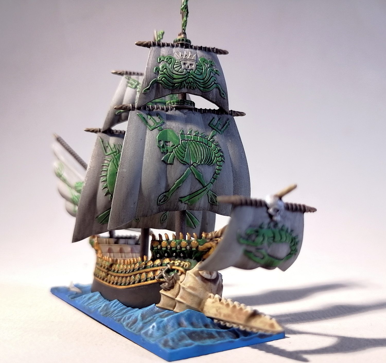 Dreadfleet : des navires dans le monde de Warhammer EkOvMb-Espadon03