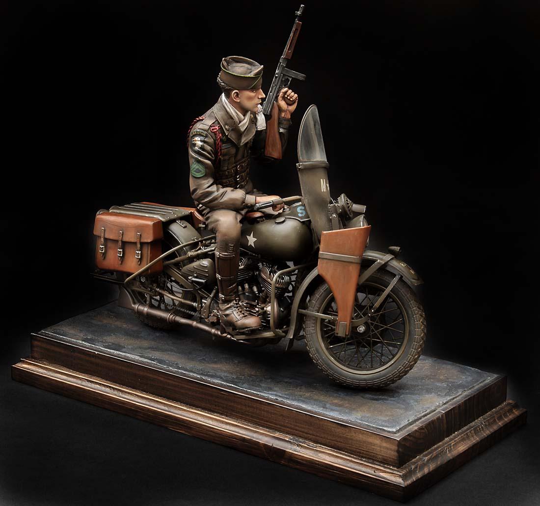 Paratrooper US sur Harley WLA 750 200 mm 1/9ème - Page 2 21100407301714703417600943