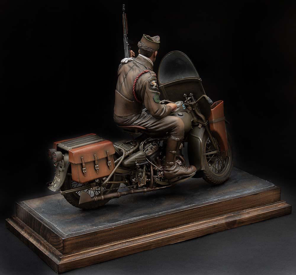 Paratrooper US sur Harley WLA 750 200 mm 1/9ème - Page 2 21100407301814703417600944
