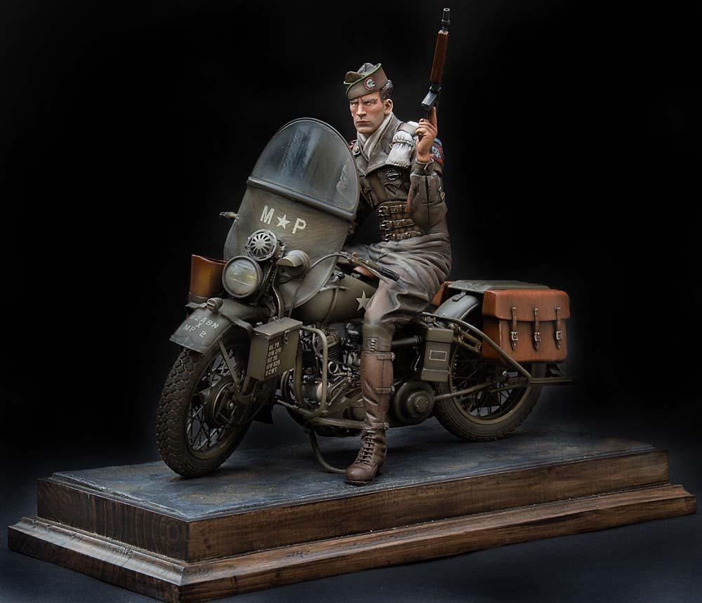 Paratrooper US sur Harley WLA 750 200 mm 1/9ème - Page 2 21100407301814703417600947
